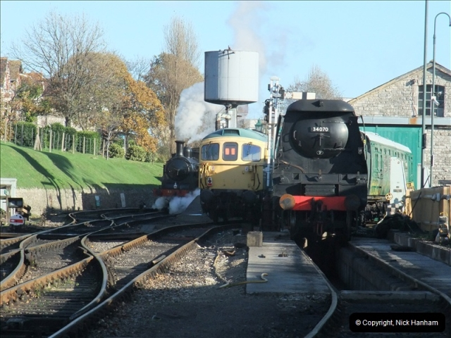 2010-11-10 Herston New Carriage Sidings on 08 (75)731