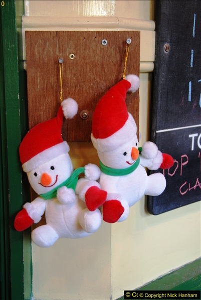 2014-12-20 Four Santas and Wedding (Almost).  (112)112