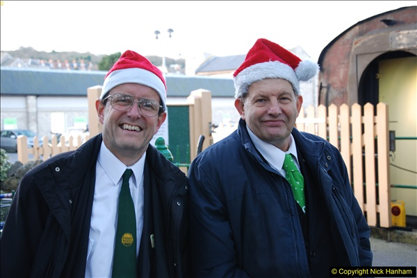 2014-12-20 Four Santas and Wedding (Almost).  (29)029
