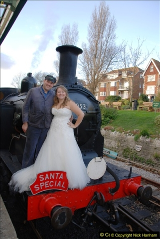2014-12-20 Four Santas and Wedding (Almost).  (432)432