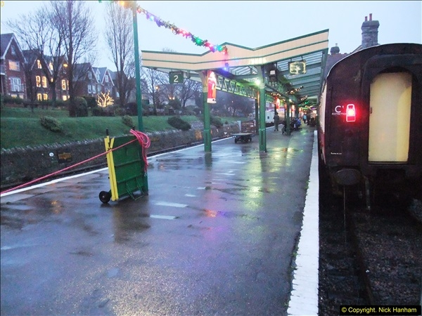 2015-12-06 Driving the DMU on Santa Special.  (123)123