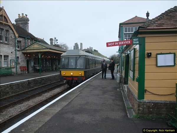 2015-12-06 Driving the DMU on Santa Special.  (83)083