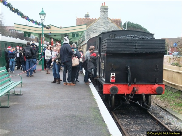 2015-12-06 Driving the DMU on Santa Special.  (84)084