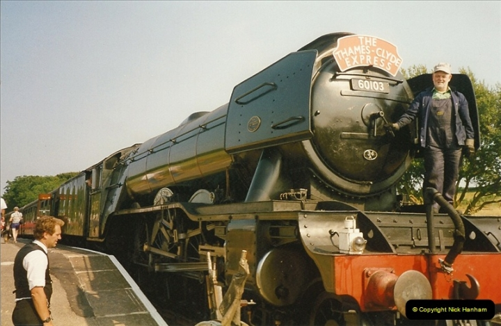 1994-07-18 to 22 Your Host spends a week driving Flying Scotsman.  (15)0087
