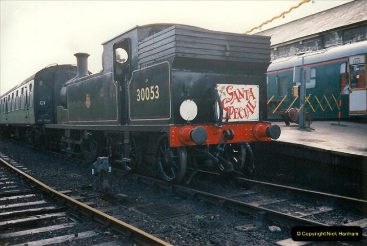 1994-12-04 Santa Specials driving the M7. (3)0125