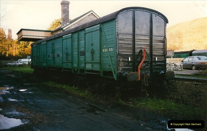 1997-12-14 Santa Specials driving the DMU.  (17)0586