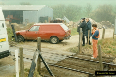 1996-04-14 This van decides to attack 47383 at Quarr Farm crossing!  (3)0293