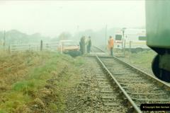 1996-04-14 This van decides to attack 47383 at Quarr Farm crossing!  (4)0294