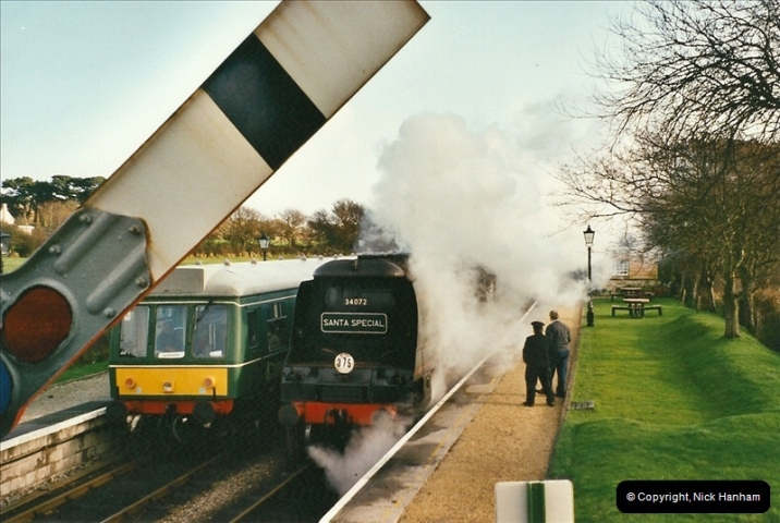 2002-12-01 Driving the DMU on Santa Specials.  (10)204