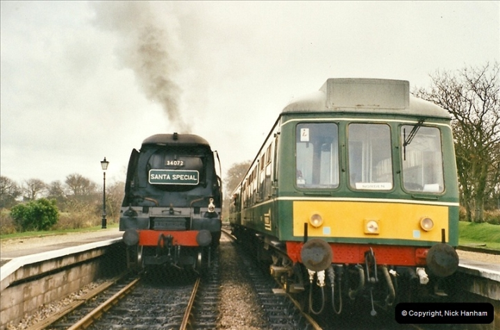 2002-12-01 Driving the DMU on Santa Specials.  (5)199