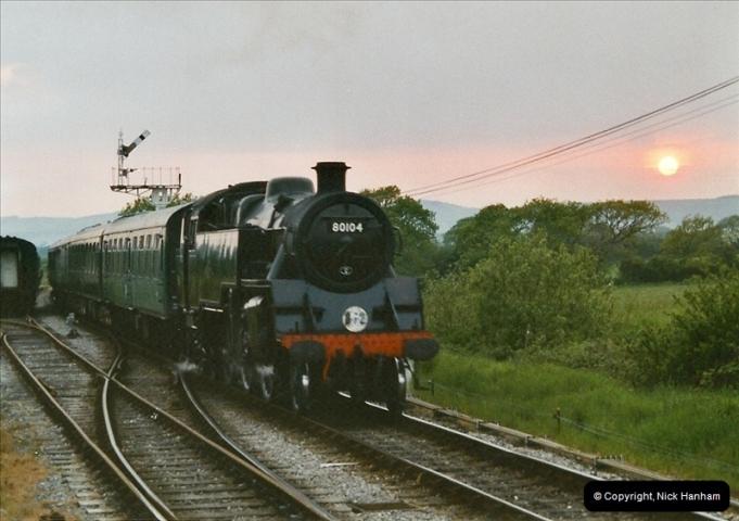 2004-05-26 80104 on the dining train @ Harmans Cross.  (3)525