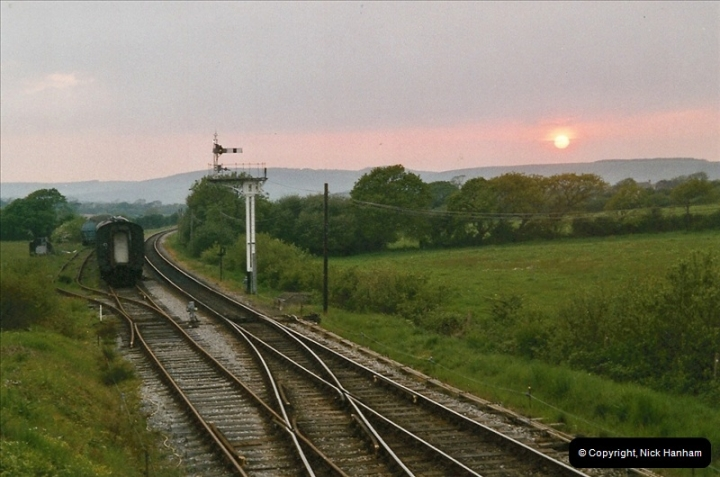 2004-05-26 80104 on the dining train @ Harmans Cross.  (4)526