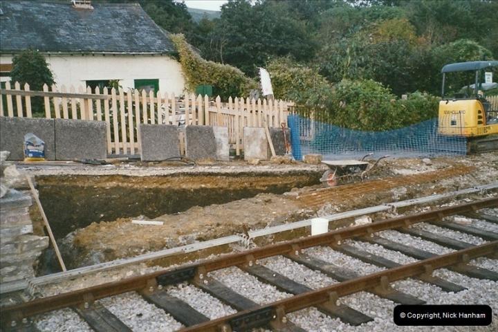 2004-09-10 Platform extensions @ Corfe Castle.  (2)581
