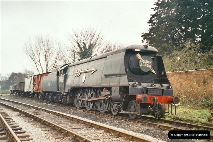 2004-11-30 Corfe Castle station.  (2)661