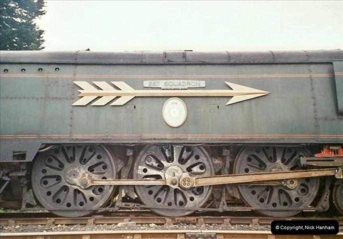 2004-11-30 Corfe Castle station.  (3)662