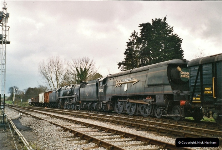2004-12- 01 to 24 On and about the Swanage Railway.  (25)733