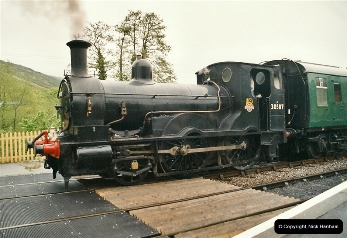 2005-05-19 Photo Charter with 30587.  (46)121