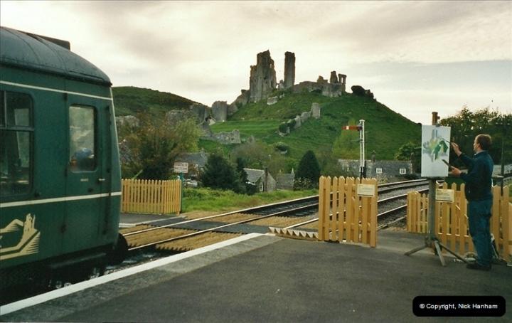2005-05-20 Driving the DMU @ Corfe Castle.  (3)139