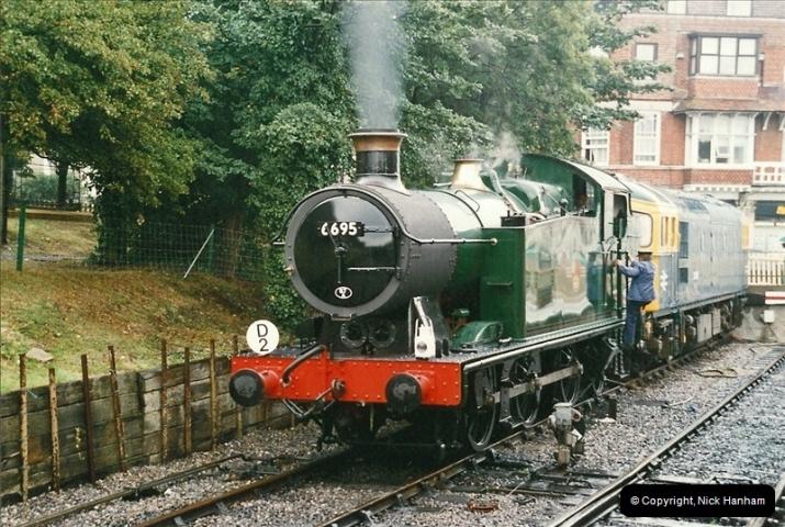2005-08-11 6695 in light steam.  (3)176