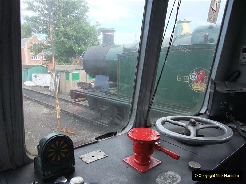 2009-06-19 Late turn DMU.  (10)0555