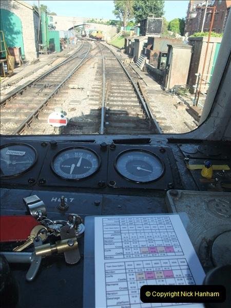 2009-07-24 More late turn DMU.  (14)0651