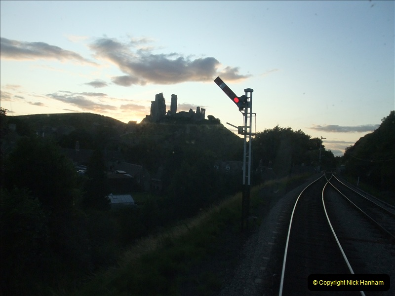 2009-07-24 More late turn DMU.  (30)0667
