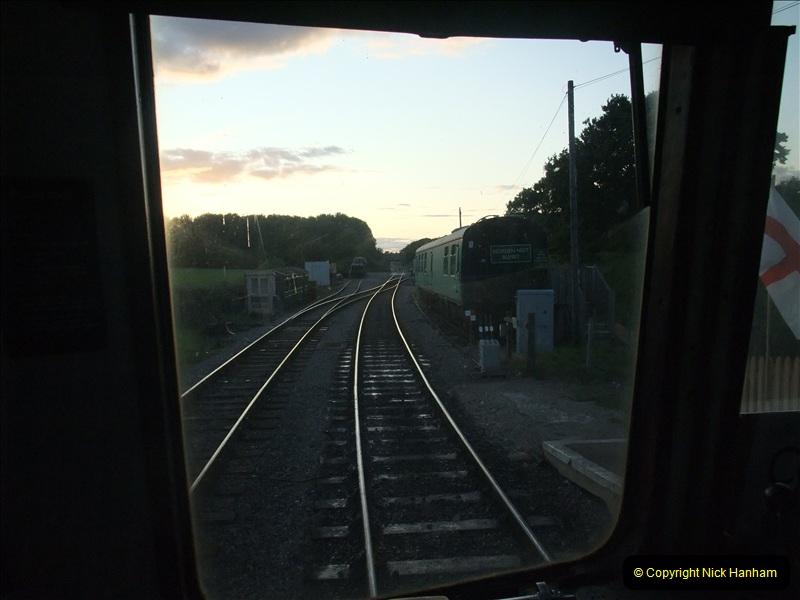 2009-07-24 More late turn DMU.  (34)0671