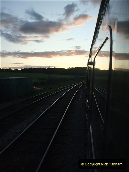 2009-07-24 More late turn DMU.  (35)0672