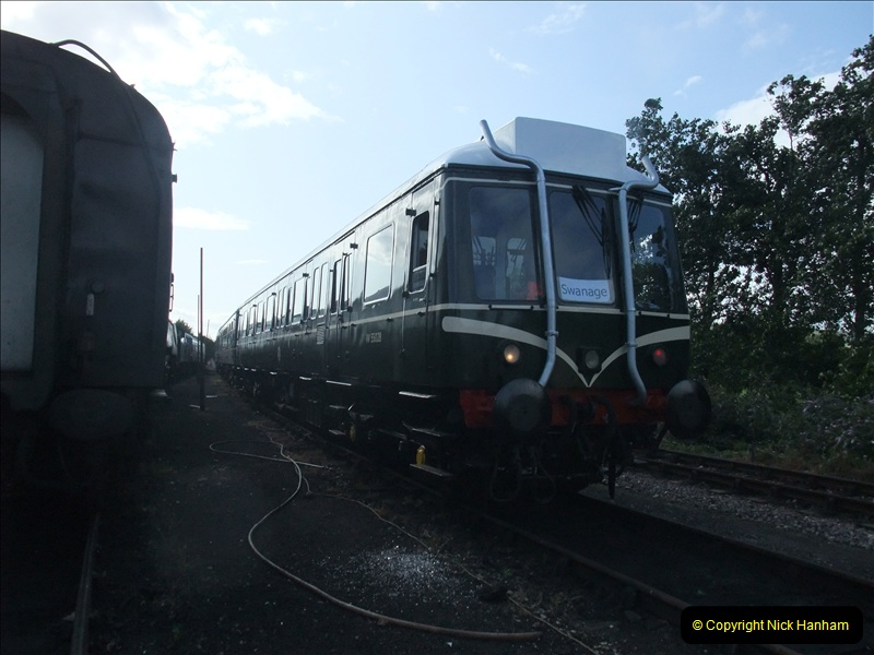 2009-07-24 More late turn DMU.  (8)0645