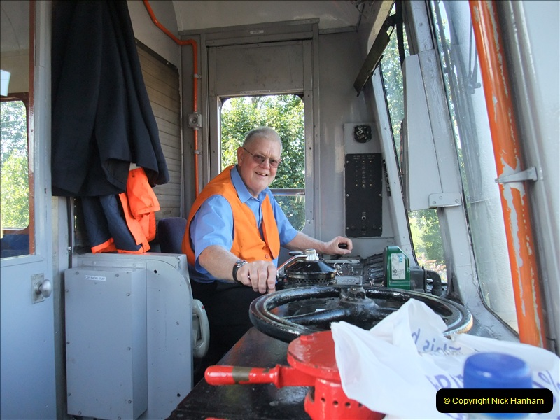 2009-08-07  DMU Driving. (5)0689
