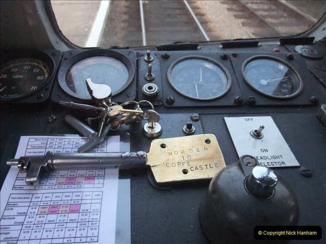 2009-07-22 Late turn DMU.  (33)0636