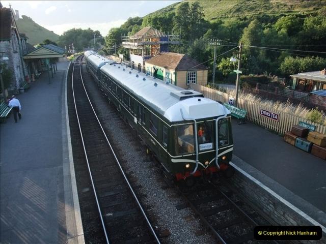 2009-07-24 More late turn DMU.  (22)0659