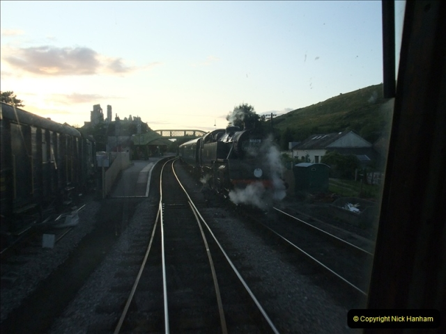 2009-07-24 More late turn DMU.  (29)0666