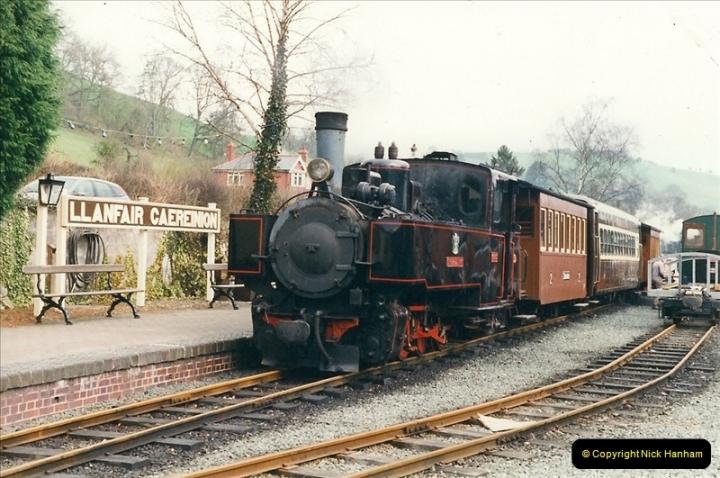 2000-03-10 Welshpool & Llanfair Railway, North Wales.  (19)047