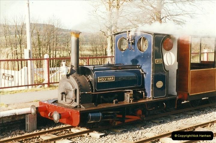 2000-03-11 Bala Lake Railway, North Wales.  (11)075