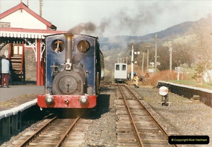 2000-03-11 Bala Lake Railway, North Wales.  (13)077