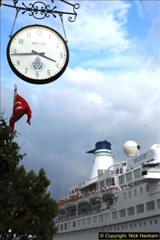 2013-10-17 to 18 London to Istanbul, Turkey.  (461)461