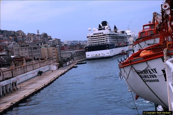 2013-10-17 to 18 London to Istanbul, Turkey.  (477)477