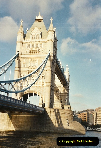 2001-11-03 Tower Bridge, London.  (2)02