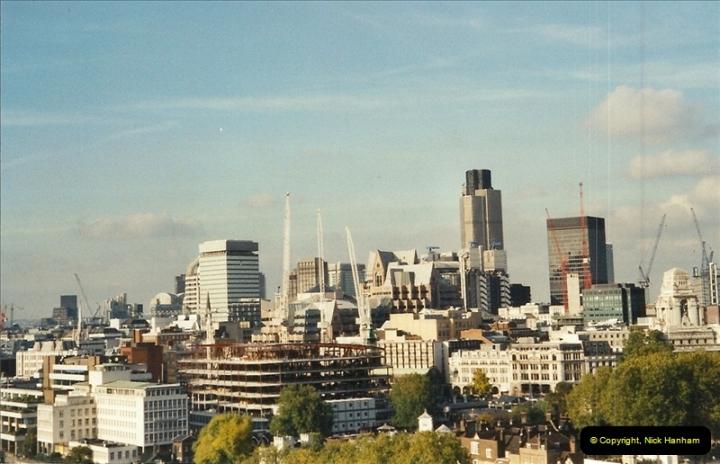2001-11-03 Tower Bridge, London.  (13)13