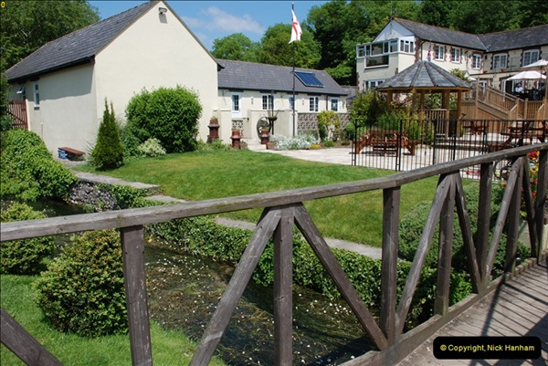 2009-05-29 The Poachers Inn, Piddletrenthide, Dorset.  (22)024