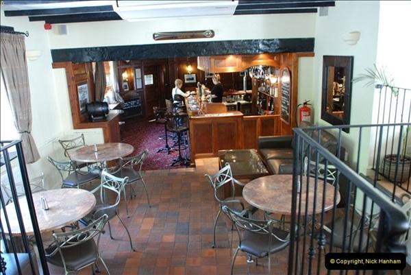 2009-05-29 The Poachers Inn, Piddletrenthide, Dorset.  (20)022