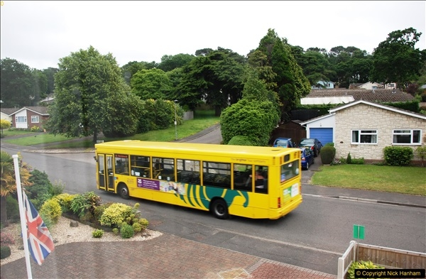 2017-06-05 D1 service back to single decker. Some bluring on pictures due to being taken through glass. (4)157