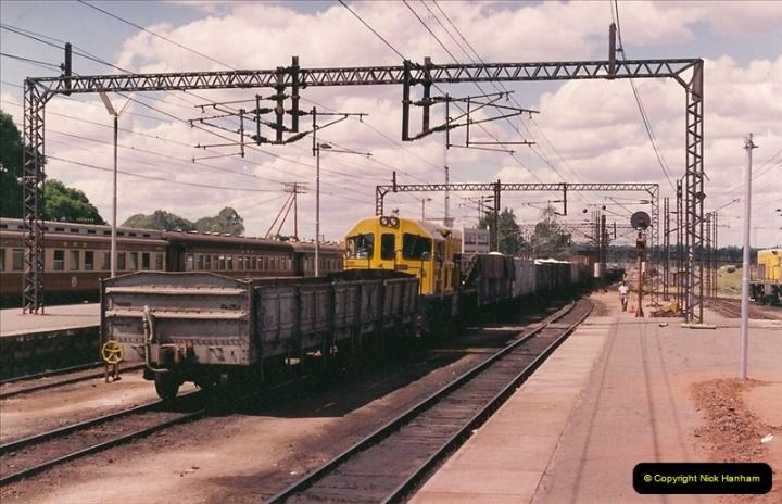 Zimbabwe April 1994 (100)100